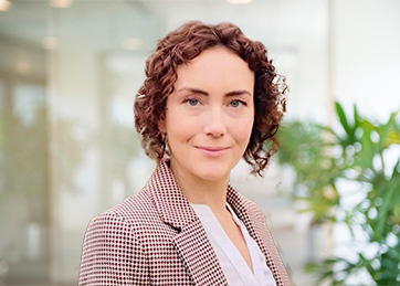 Käthe Kröger-Malazhavy, Lawyer