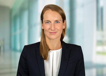 Carolin Spönemann, Rechtsanwältin