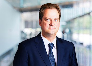 Elmar Hiltner, Partner, Corporate Finance
